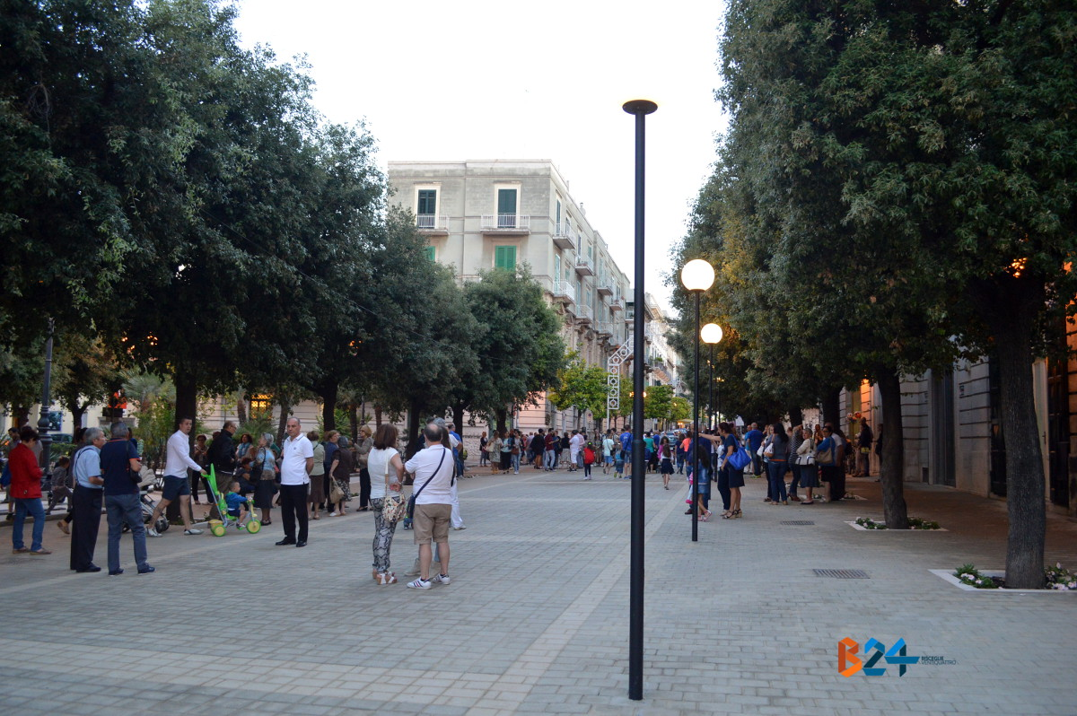 Inaugurata la nuova piazza san francesco foto bisceglie24 for Piazza san francesco prato