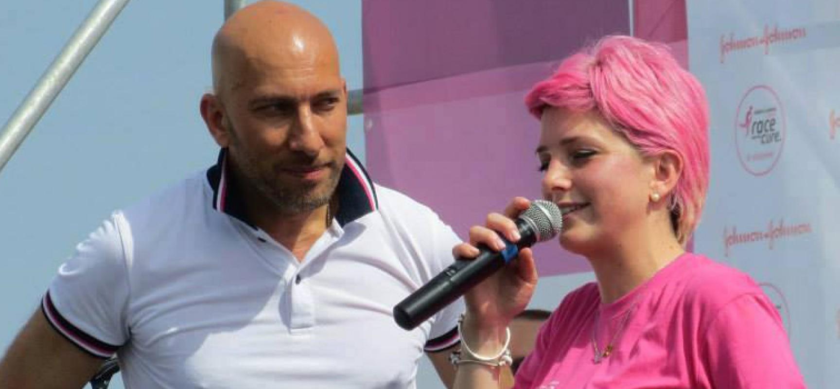 """Antonella Dell'Olio sul palco di Race for the cure: """"L'anno scorso ero lì con la testa pelata"""" / FOTO"""
