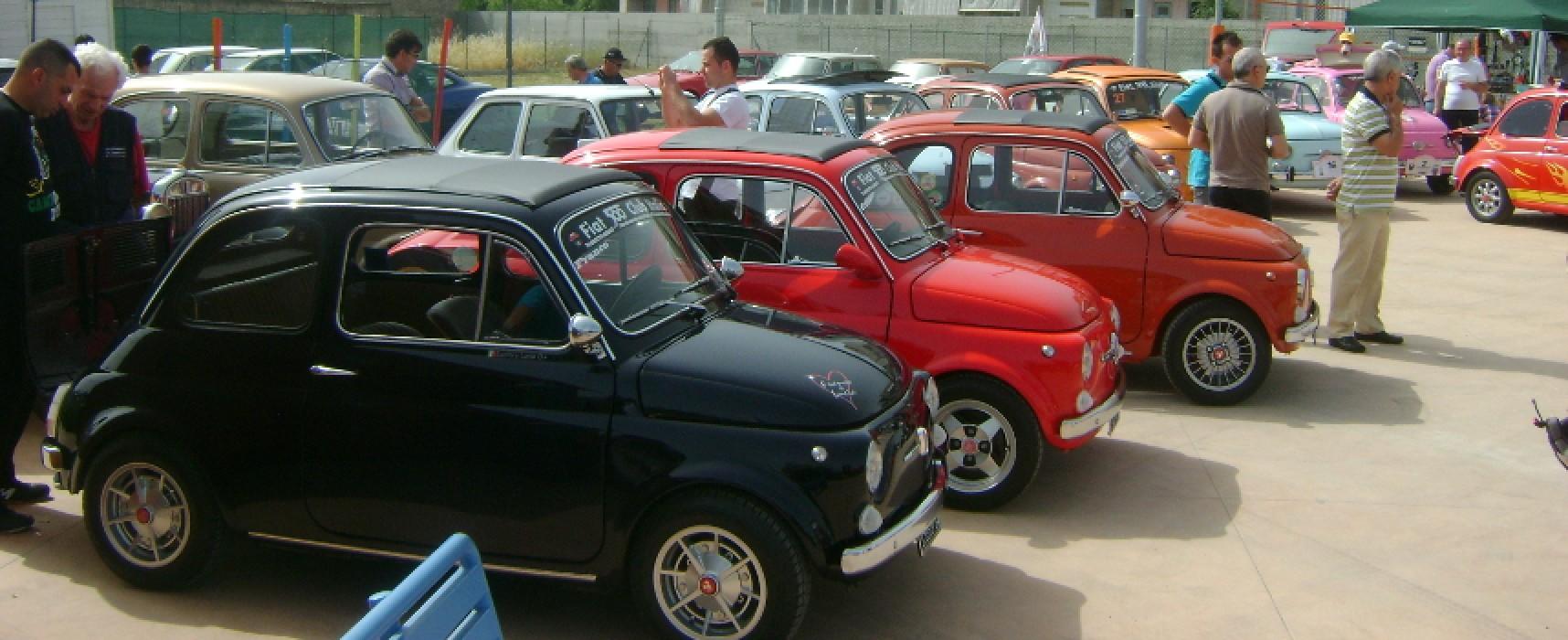 Raduno Nazionale Fiat 500 a Bisceglie, dal 1999 un'emozione che si rinnova