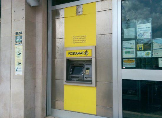 Rapinata filiale Poste Italiane di via Carrara Reddito
