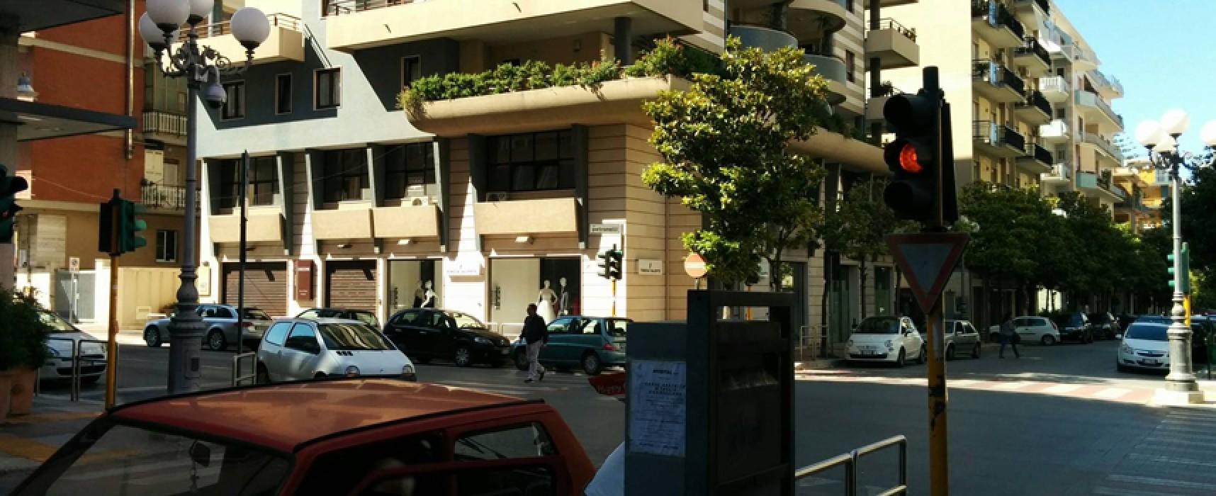 Semaforo di via Aldo Moro guasto da cinque giorni