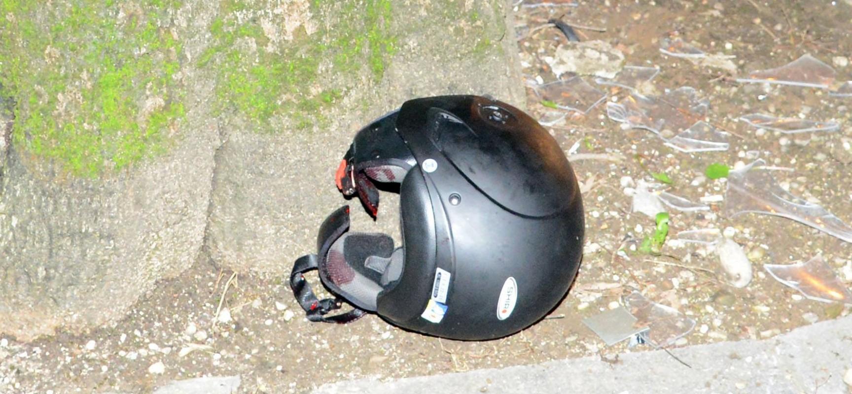 Scontro tra autovettura e ciclomotore su Via G. Bovio, gravi le condizioni del conducente del mezzo a due ruote