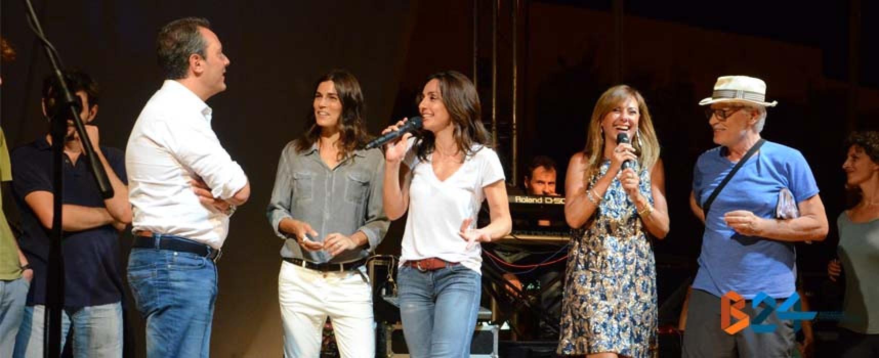 """Placido, Ambra e Valeria Solarino: """"Grazie Bisceglie, felici di aver lavorato qui"""" / FOTO"""