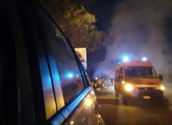 Incendio di un cassonetto su Via G.Bovio sedato dai volontari dell'O.E.R.