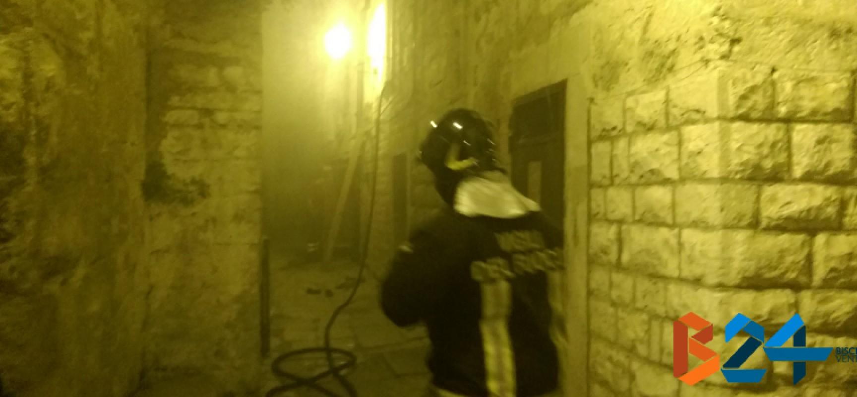 Ieri sera incendio in un appartamento del centro storico / FOTO