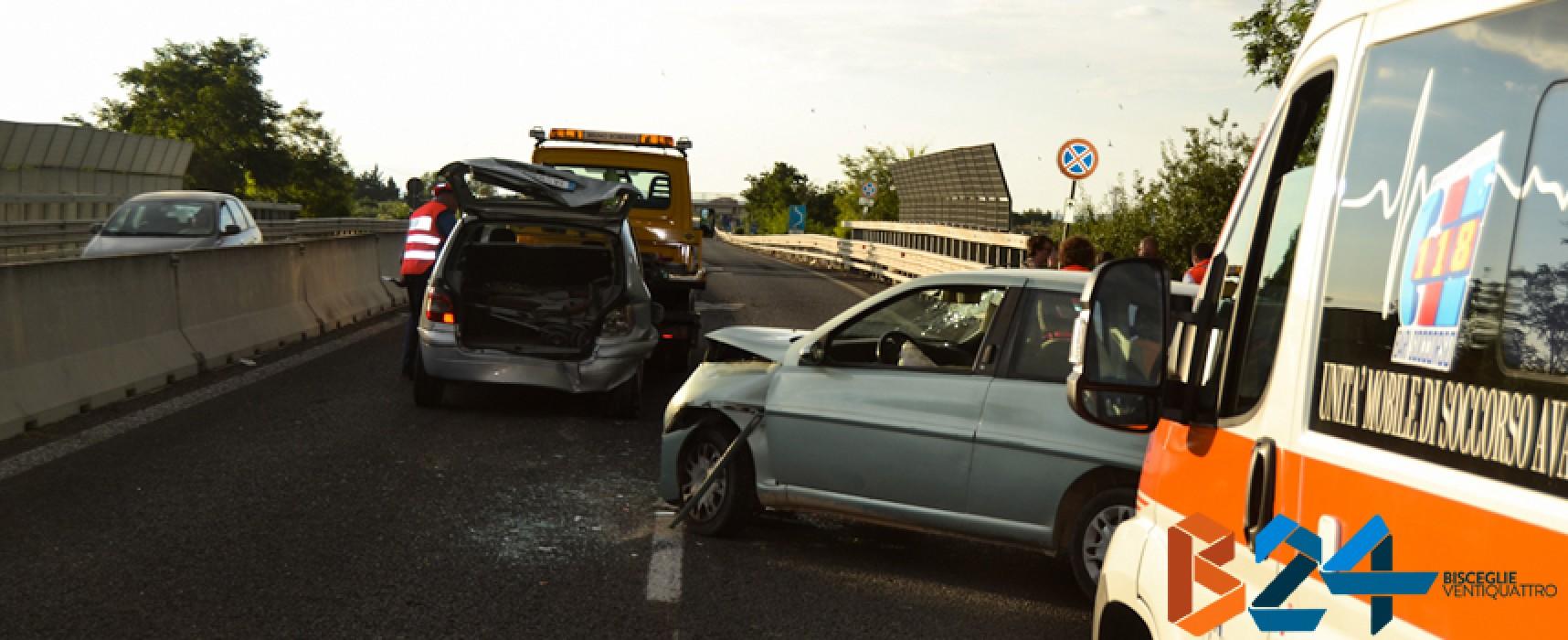 Incidente sulla 16bis all'altezza di Bisceglie Nord, disagi alla circolazione / FOTO