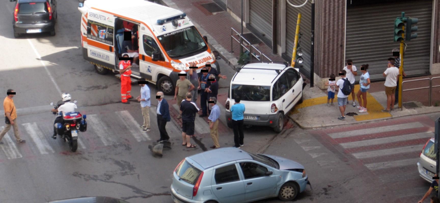Nuovo incidente all'incrocio tra Via Aldo Moro e Via Petronelli, coinvolte due autovetture