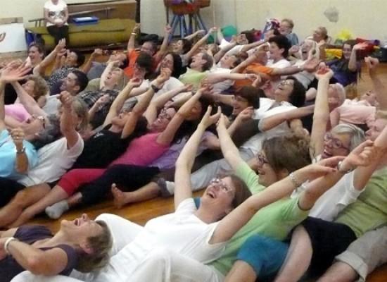 Yoga della risata, parte oggi un seminario organizzato dall'associazione SoRidere