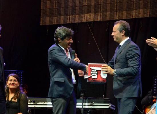 """Premio """"CineDolmenFest 2014"""", pioggia di stelle al Teatro Mediterraneo di Bisceglie / VIDEO e FOTO"""
