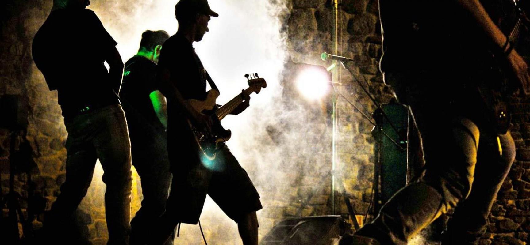 Avis music contest, le band musicali emergenti si sfidano sul palco del Teatro Mediterraneo