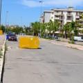 Via Santa Chiara, cassonetto per la raccolta degli indumenti ribaltato in strada