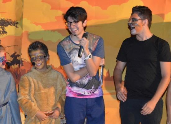 """""""Il Re Leone"""" della Compagnia Aurea emoziona il pubblico di """"V'oliamoci bene"""" / FOTO"""