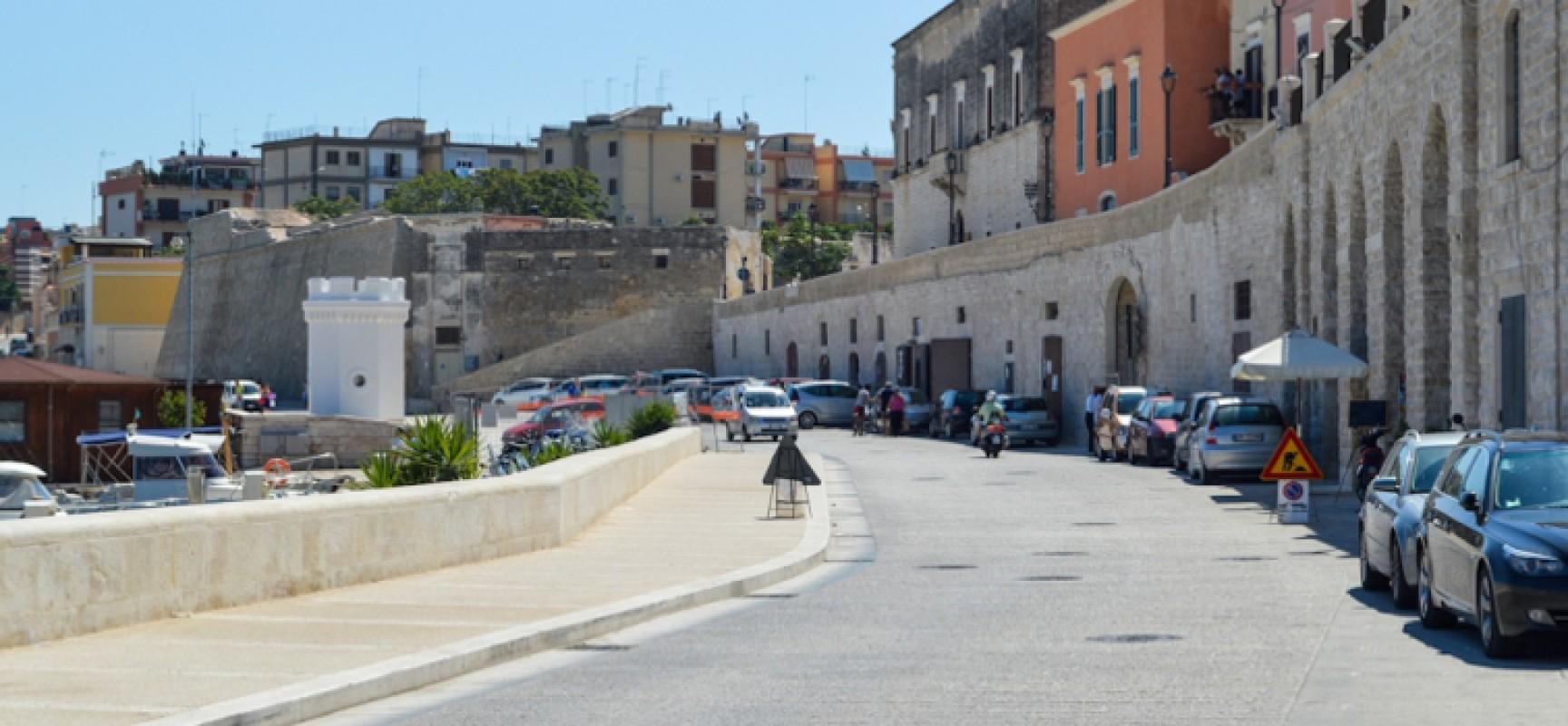 Via Nazario Sauro, divieto di fermata su ambo i lati per tutti i veicoli