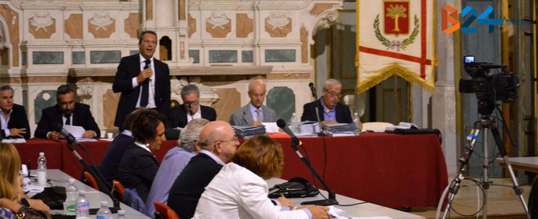 Consiglio comunale, è ancora battaglia su debiti fuori bilancio e tasse