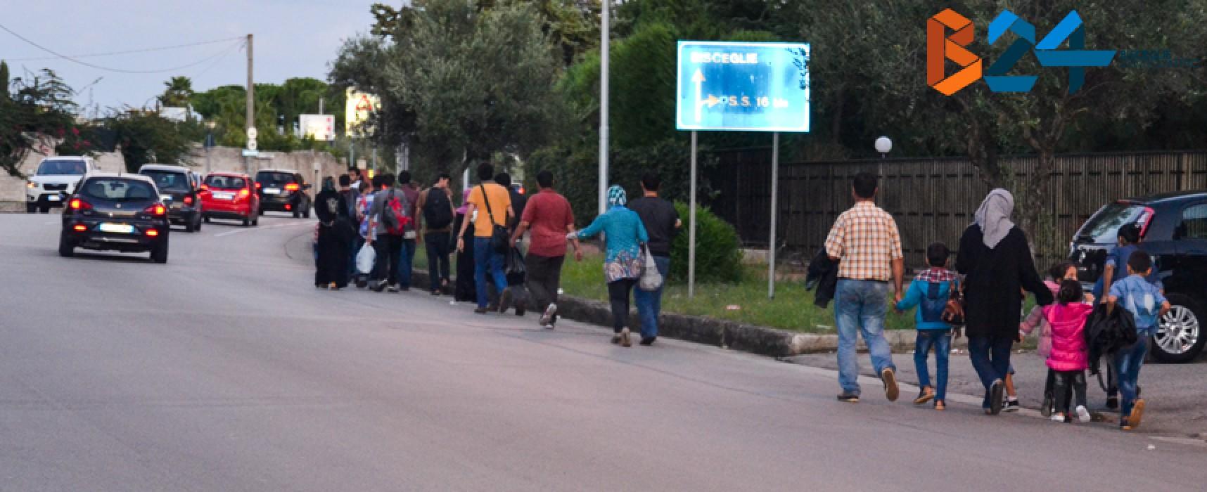 Quaranta profughi arrivati ieri a villa San Giuseppe, alcuni hanno rifiutato e sono andati via / FOTO