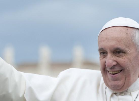 """Pullman da Bisceglie per incontrare Papa Francesco alla """"Benedizione della lunga vita ai nonni"""""""