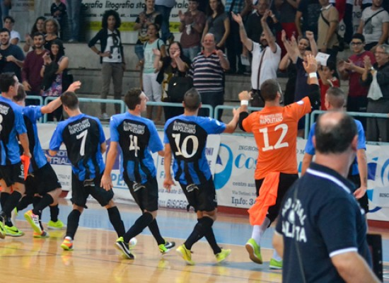 Il Futsal Bisceglie batte in rimonta il quotato Futsal Barletta e vola in testa alla classifica