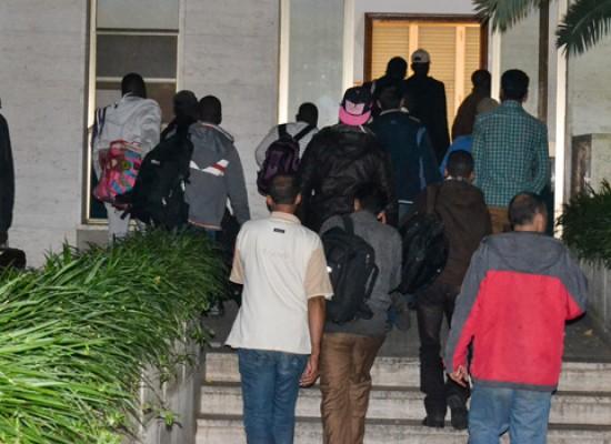 Ventotto profughi arrivati la scorsa notte a Villa San Giuseppe / FOTO