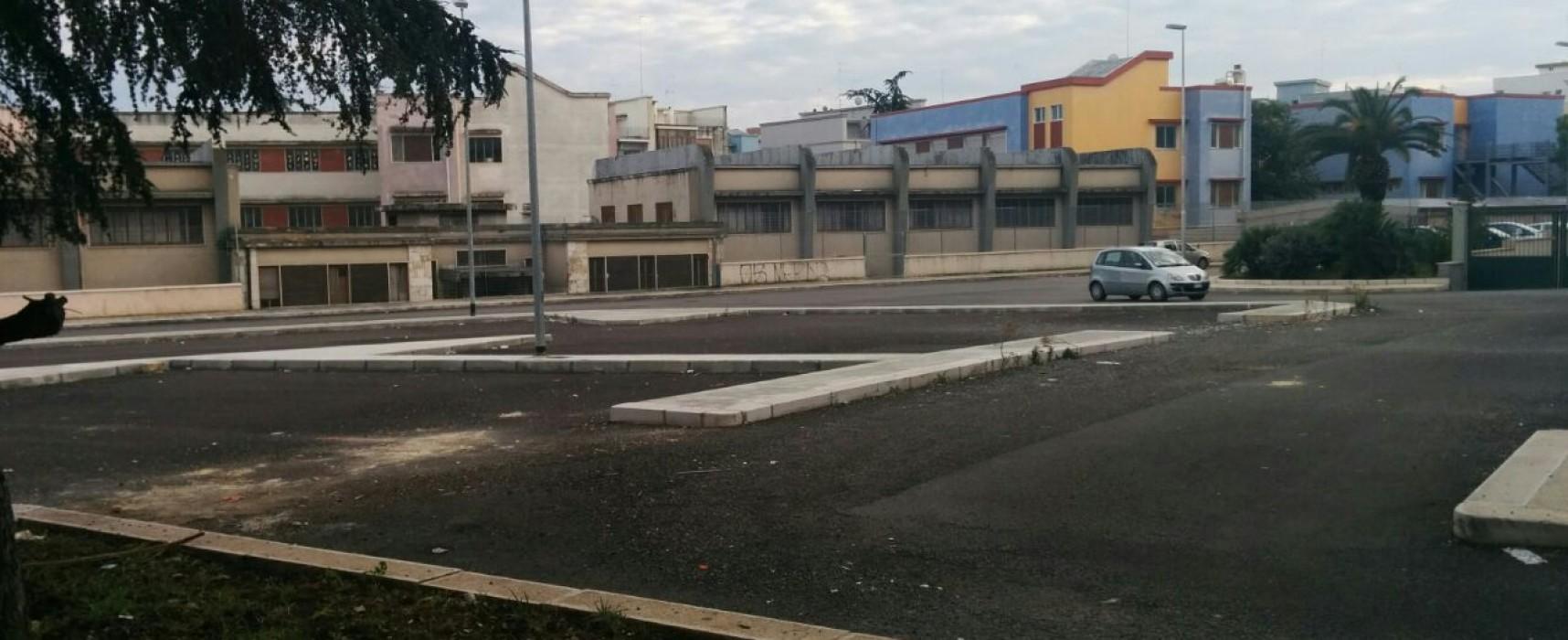 Rimossa la pericolosa impalcatura con cui giocavano i bambini nel quartiere San Pietro