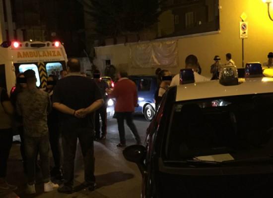 Giovane semina il panico tra le vie del centro fino alla rissa sedata dai carabinieri / FOTO