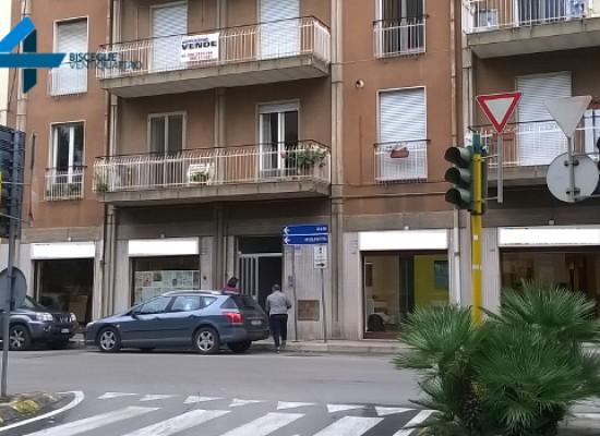 Ancora spenti i semafori di Via Seminario / Via Imbriani e Via Petronelli