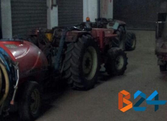 Nella notte rubati trattore e materiale agricolo in Largo Che Guevara / FOTO