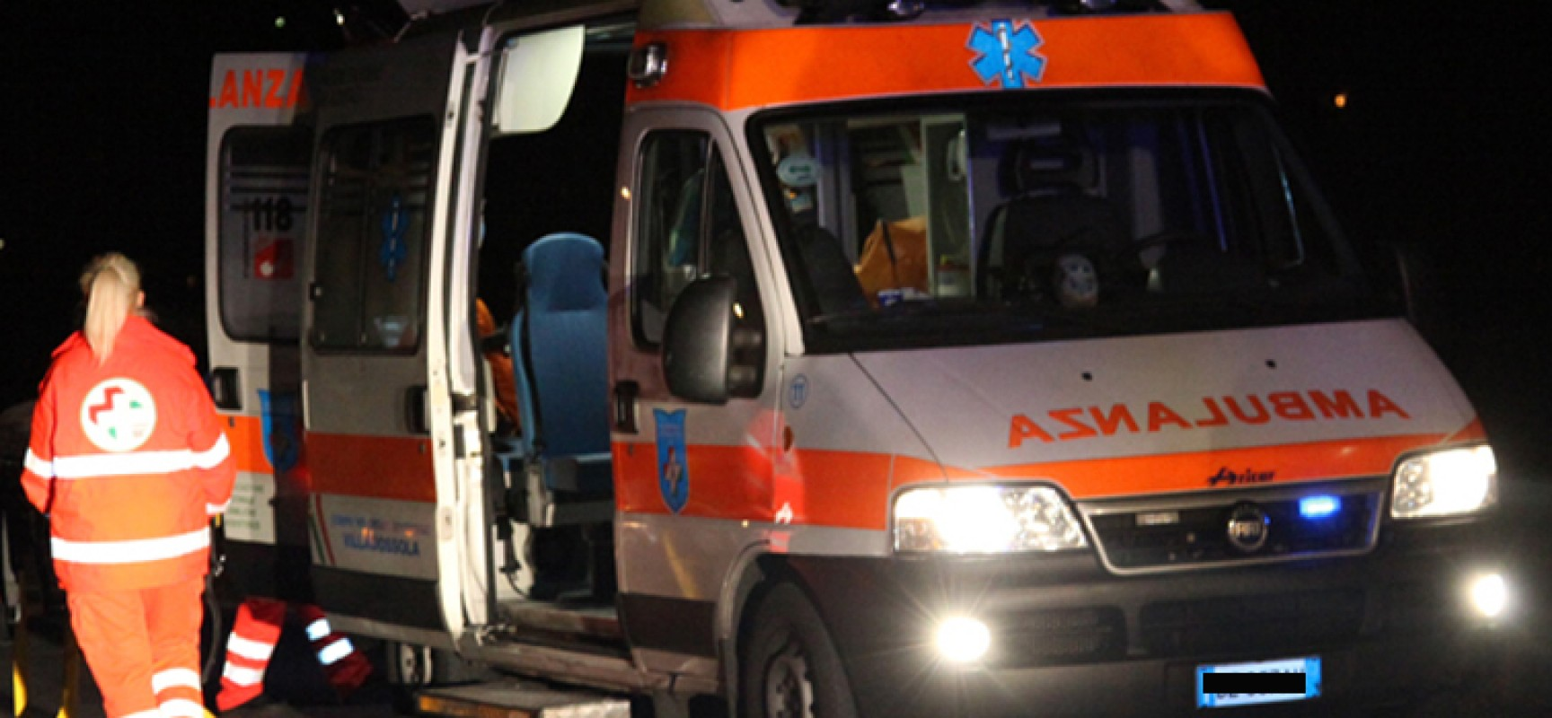 Impatto auto-moto in via sant'Andrea, centauro in ospedale