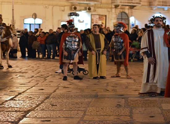 Fede e folclore nel corteo storico sulla vita di San Trifone / FOTO