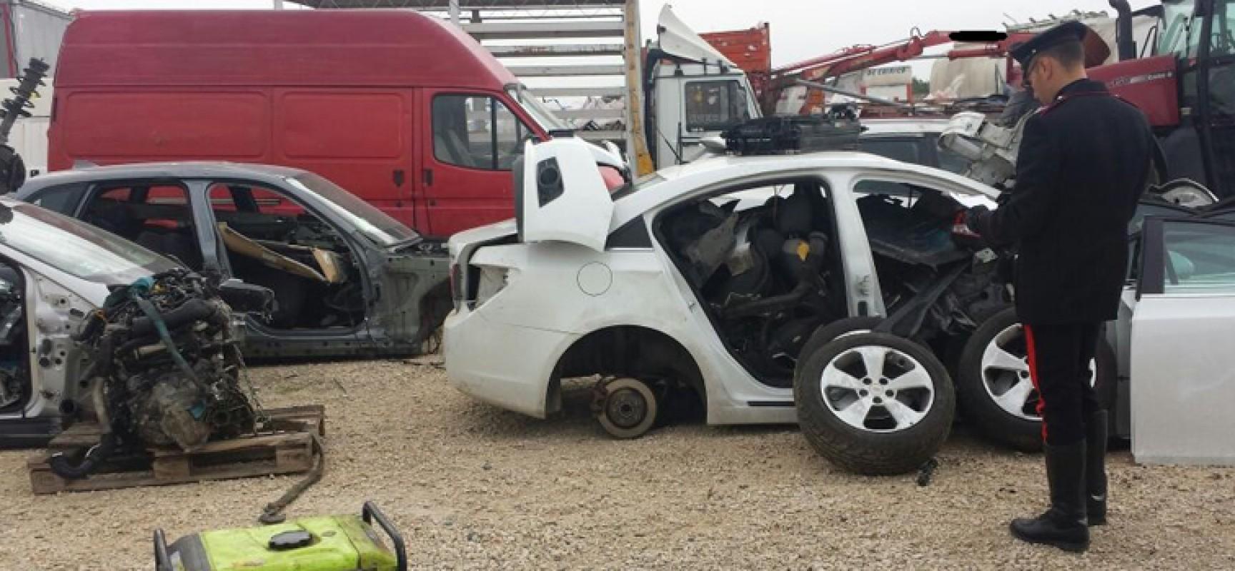 Scoperto ad andria deposito officina di auto rubate anche for Posto auto coperto con officina annessa