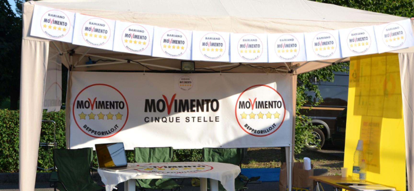 """Gazebo """"5 Stelle"""" per raccolta firme contro """"Sblocca Italia"""" del Governo Renzi"""