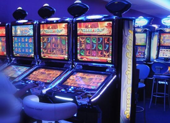 Sel accusa l'amministrazione comunale di inerzia e disinteresse nella lotta al gioco d'azzardo