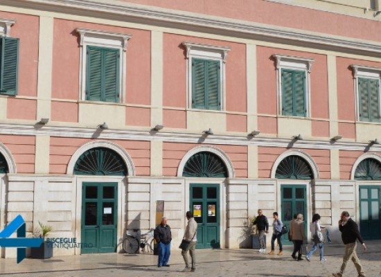 """""""M'Illumino d'Erasmus"""", il Teatro Garibaldi si tinge d'Europa"""