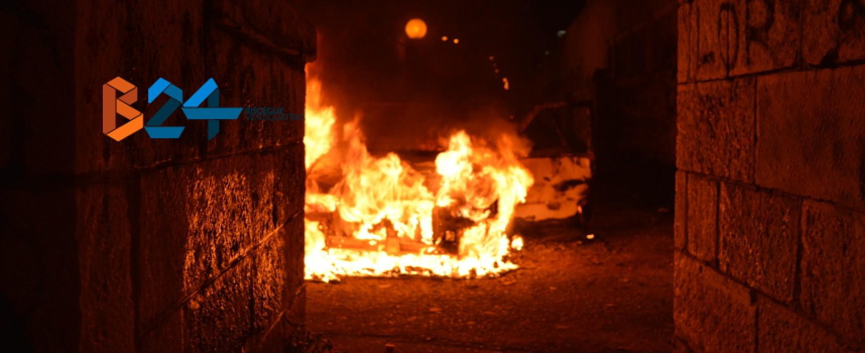 Auto data alle fiamme nella serata di ieri in Via Puccini, arrestato il presunto colpevole / FOTO