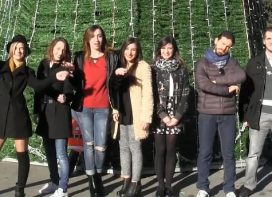 """Gli auguri di Buon Natale cantati dallo staff di """"Cosa Succede in Città"""" / VIDEO"""