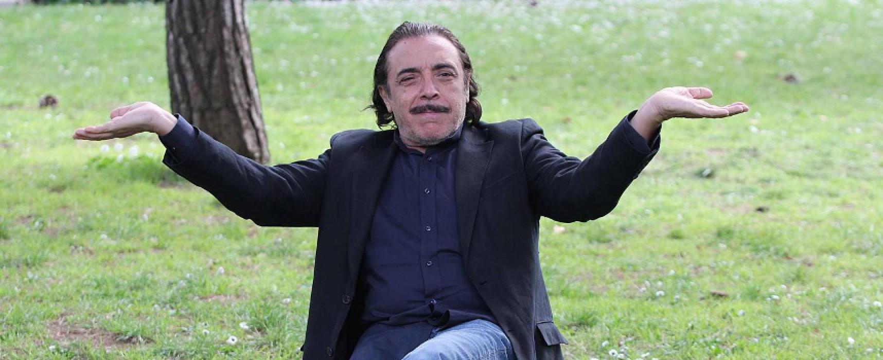 """Nino Frassica, Maestro di comicità, a Bisceglie presenta la sua """"biografia 70% vera, 80% falsa"""""""