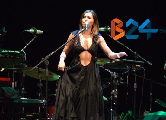 """""""Garibaldi"""", ritmi e talento di Serena Brancale donano una nuova veste al Concerto di Capodanno / FOTO"""