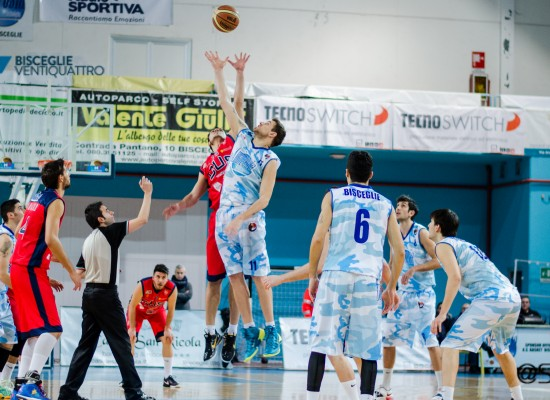 L'Ambrosia Bisceglie si impone nettamente su Taranto e si riprende il secondo posto in classifica