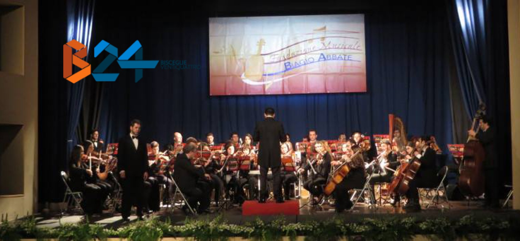 Concerto d'Inverno, l'Orchestra Biagio Abbate coinvolge ed emoziona il pubblico del Politeama / FOTO