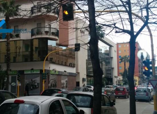 Semafori dell'incrocio via Piave – via Vittorio Veneto spenti da 5 giorni, terza volta dall'inizio 2015