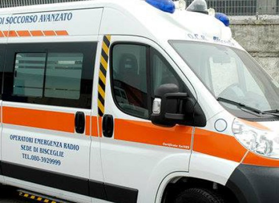 Incidente in via San Martino, 17enne al pronto soccorso