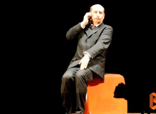 """Il Belpaese raccontato da Antonio Albanese, dai suoi """"Personaggi"""" e dalla sua comicità / VIDEO"""