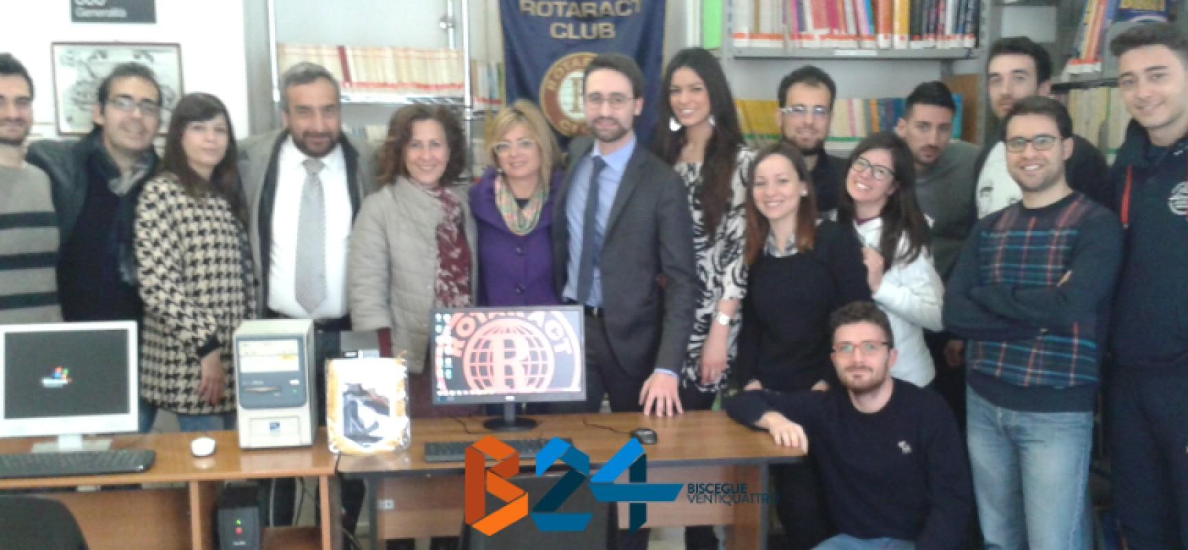 """Il Rotaract Bisceglie dona un secondo pc alla Biblioteca Comunale """"Pompeo Sarnelli"""""""