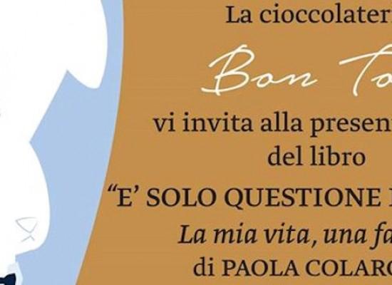 """Paola Colarossi inaugura la rassegna letteraria """"Un libro con…tè"""" presso la cioccolateria Bon Ton"""