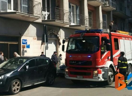 90enne sola in casa cade e resta bloccata, pronto intervento dei Vigili del Fuoco