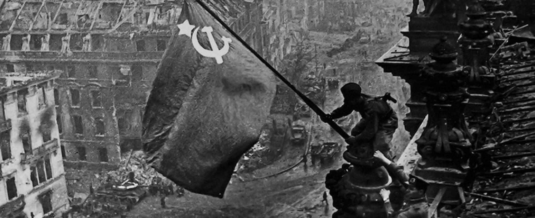 La seconda guerra mondiale dall'obiettivo di Evgenij Chaldej in mostra a Palazzo Tupputi