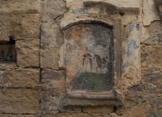 """""""Puglia Scoperta"""" annuncia il restauro di un'edicola votiva e pungola il Sindaco su Villa Fiori"""