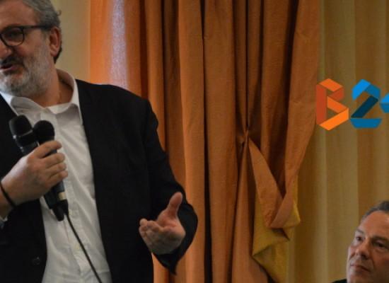 """Michele Emiliano ospite questo pomeriggio di """"Cosa Succede in Città"""" su Radio Centro Bisceglie"""