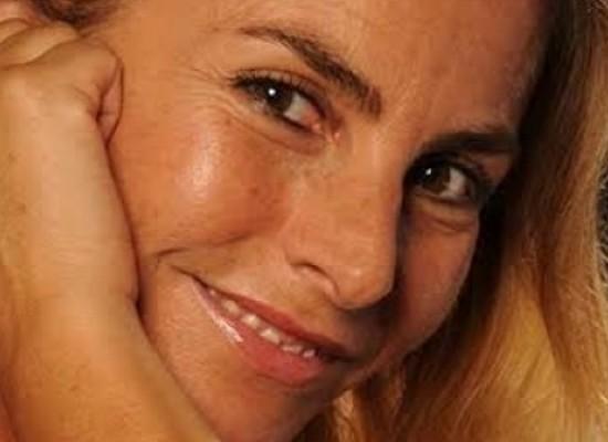 """""""La ribelle"""" conquista il pubblico del teatro don Luigi Sturzo"""