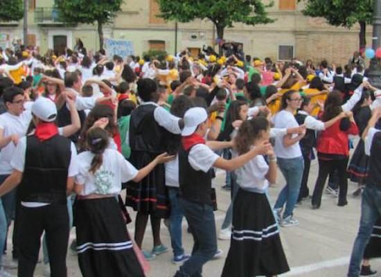 Gli alunni della Monterisi protagonisti della XIII edizione del festival Danzarìa