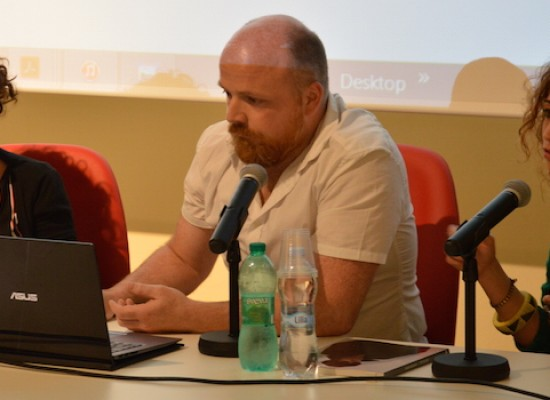 """A Palazzo Tupputi la presentazione della mostra """"Album di famiglia"""" con Simon Menner"""